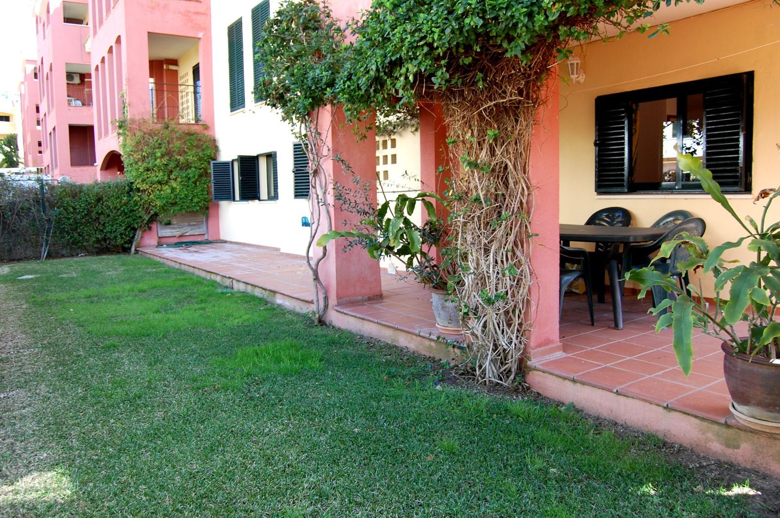 Alquiler de baco con jard n de 3 dormitorios y 2 ba os en for Alquiler bajo con jardin madrid