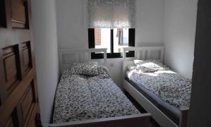 Ático de 3 dormitorios y 2 baños en la urbanizació