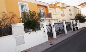 3 dormitorios 2 baños en la Tahona Calle Rodezno Zahara de los Atunes