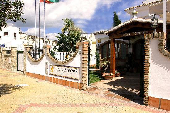 Zahara de los atunes for Casas con piscina zahara delos atunes