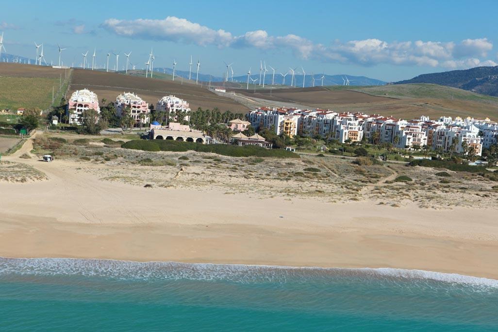 Urbanizaci n atlanterra sol for Piscinas naturales zahara delos atunes