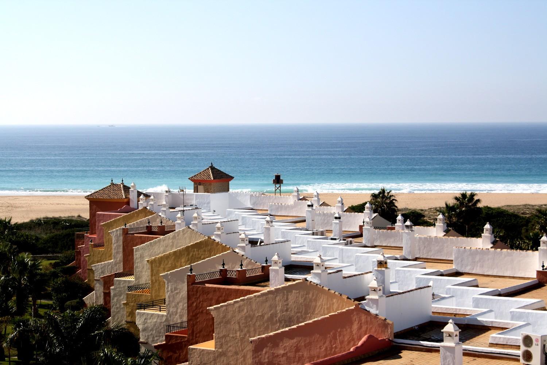 Tico de 3 dormitorios en la urbanizaci n jardines de for Apartamentos jardines de zahara