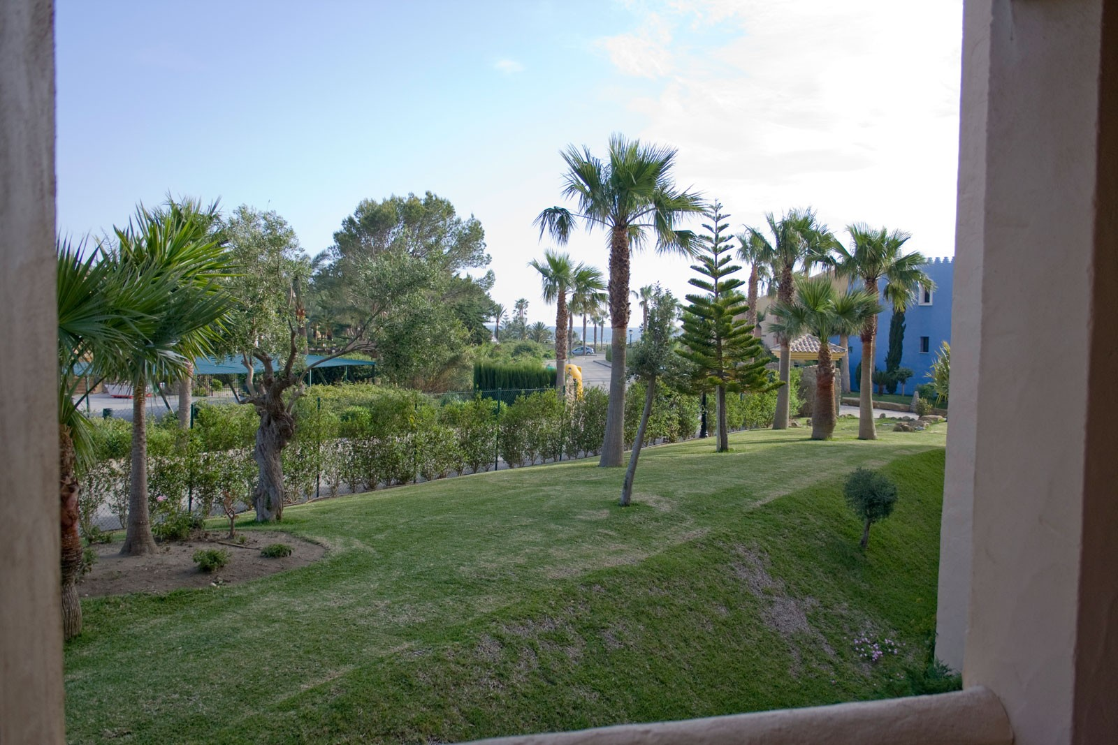 Se vende espectacular apartamento de 2 dormitorios en for Apartamentos jardines de zahara