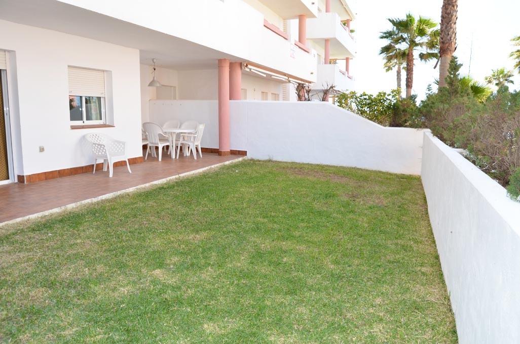 En venta bajo con jardin de tres dormitorio en la for Jardin 81 treinta y tres