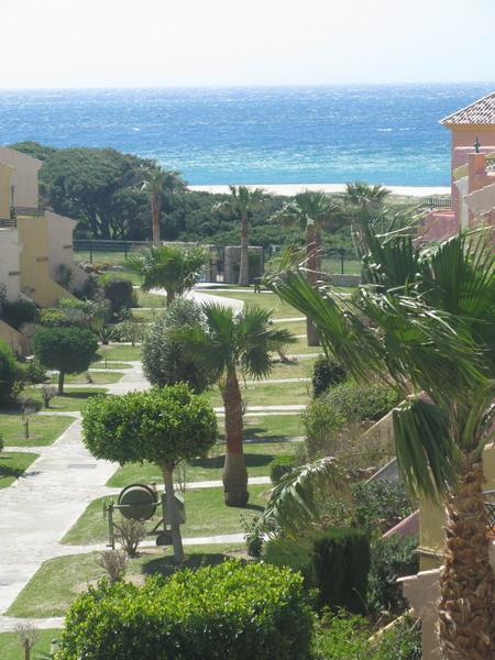 Bonito apartamento de trs dormitorios frontal en la for Apartamentos jardines de zahara