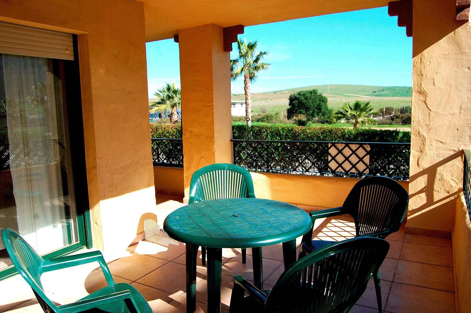 Se vende precioso apartamento en la exclusiva urbanizaci n for Apartamentos jardines de zahara
