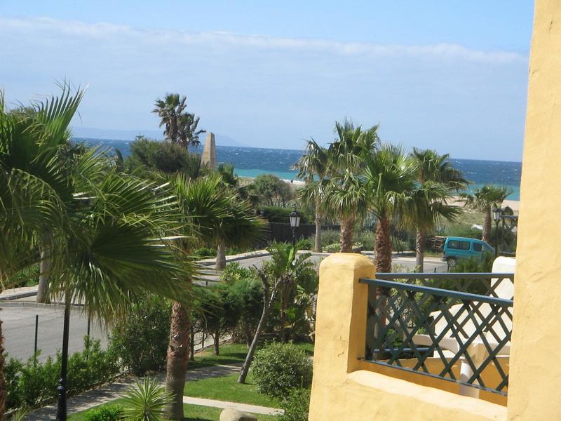 Se vende casa adosada en la urbanizaci n jardines de zahara en atlanterra - Jardines de zahara ...
