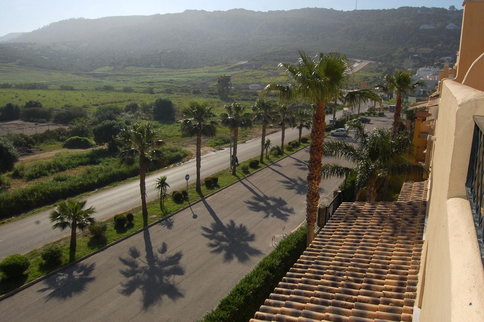 Alquiler tico 2 dormitorios y 1 ba o en la urbanizaci n jardines de zahara en atlanterra - Jardines de zahara ...