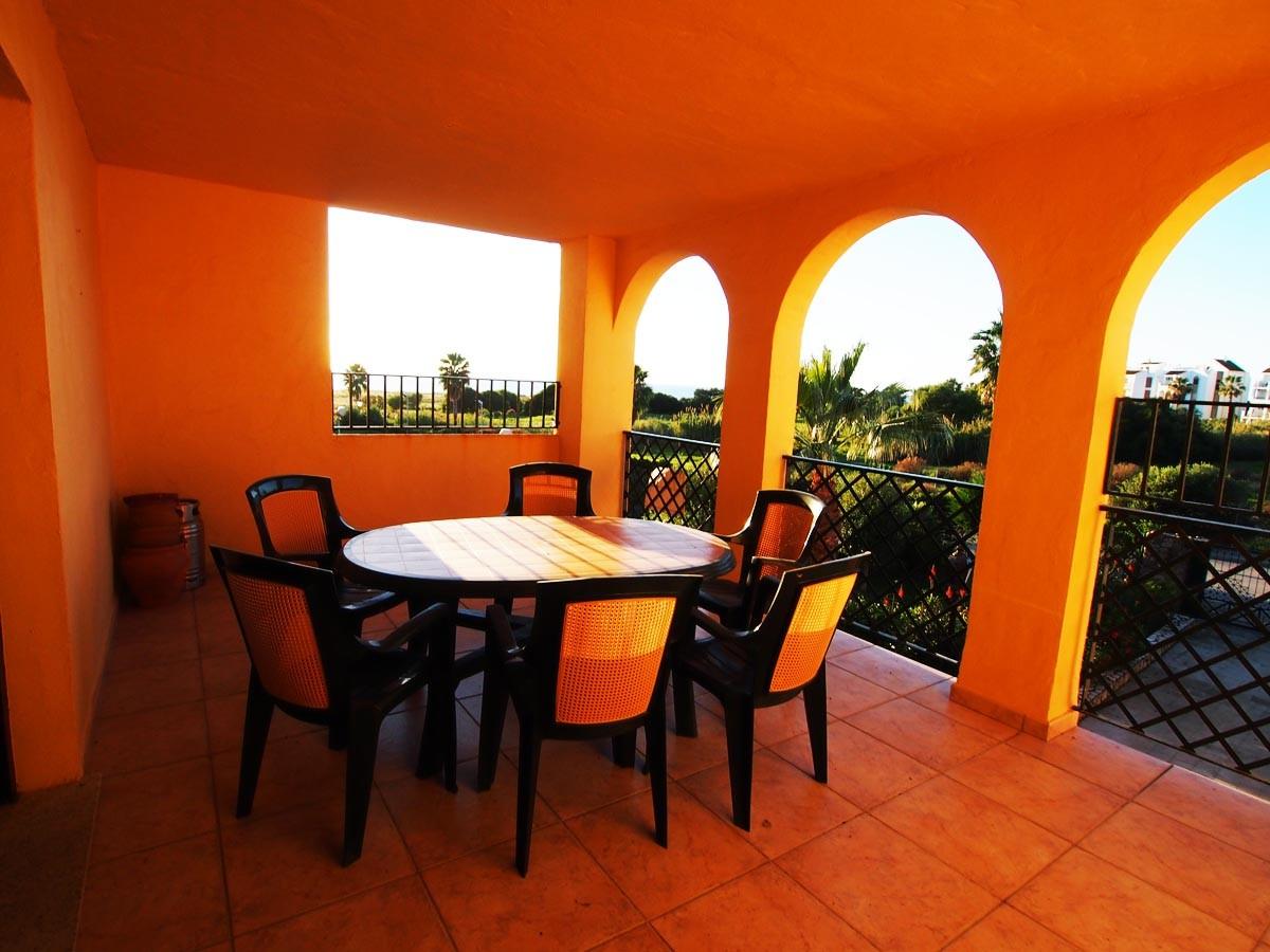 Se vende apartamento con vistas al mar dos dormitorios en la urbanizaci n jardines de zahara - Jardines de zahara ...