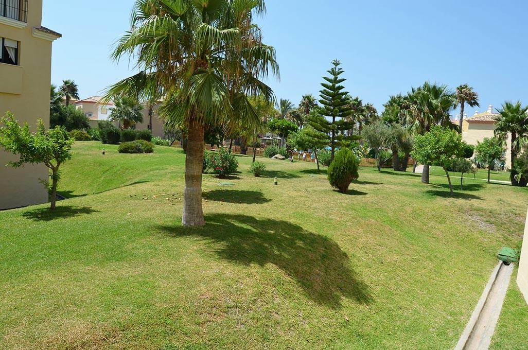 Se vende apartamento de dos dormitorios y dos ba os en la urbanizaci n jardines de zahara - Jardines de zahara ...