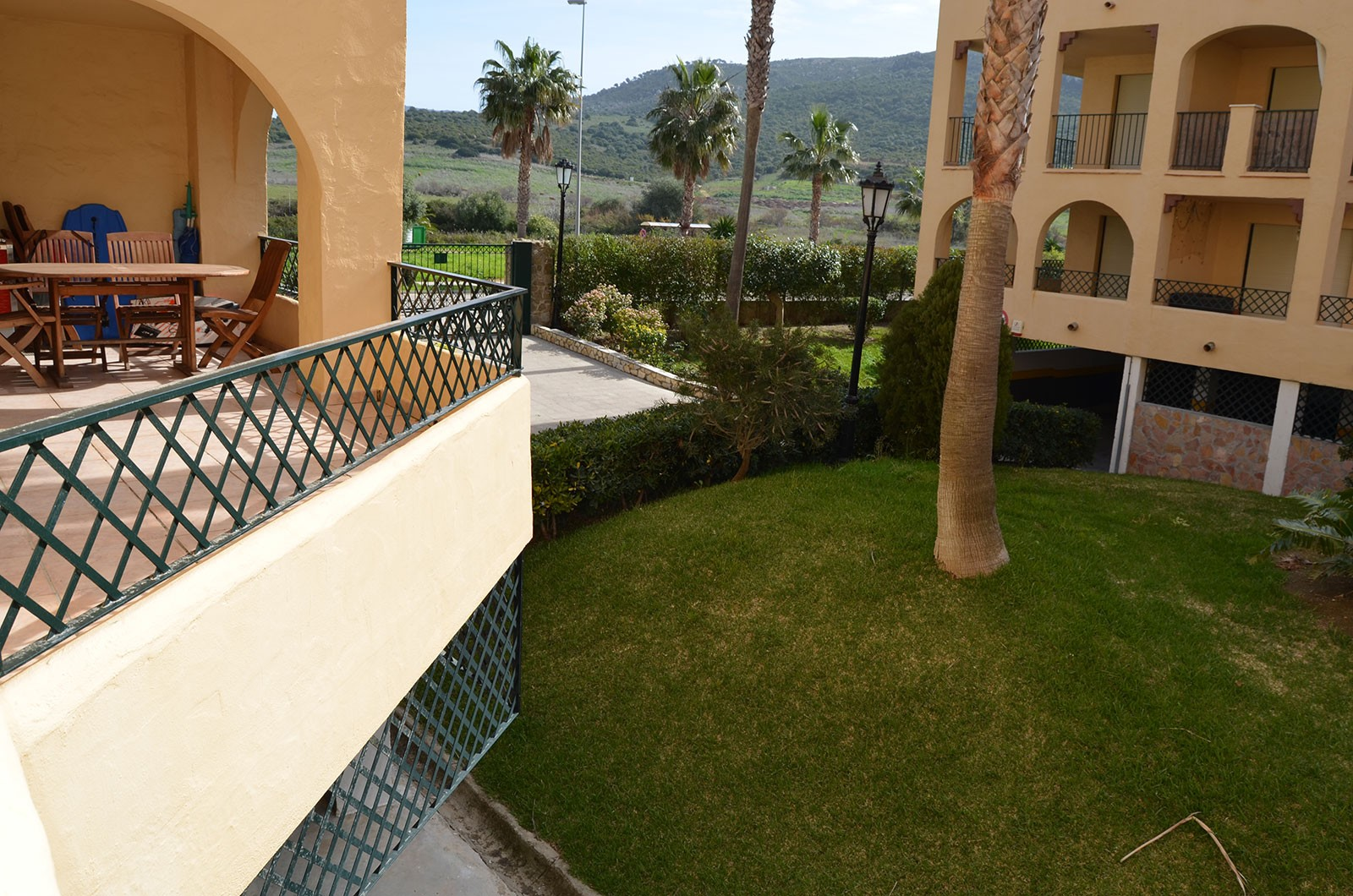 Se vende apartamento de dos dormitorios en la urbanizaci n for Apartamentos jardines de zahara