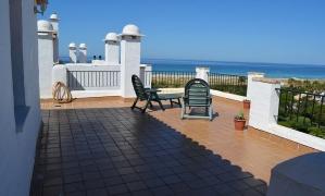 Se vende apartamento ático con impresionantes vistas al mar en la urbanización Atlanterra Costa en Zahara de los Atunes Zahara de los Atunes