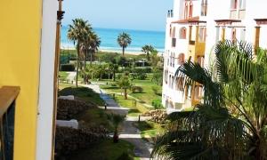 Se vende apartamento en la urbanización Atlanterra Costa a pocos minutos de Zahara de los Atunes. Zahara de los Atunes