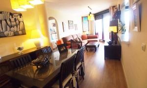 Se vende apartamento de dos dormitorios con vistas al mar, en la urbanización Atlanterra Playa. Zahara de los Atunes